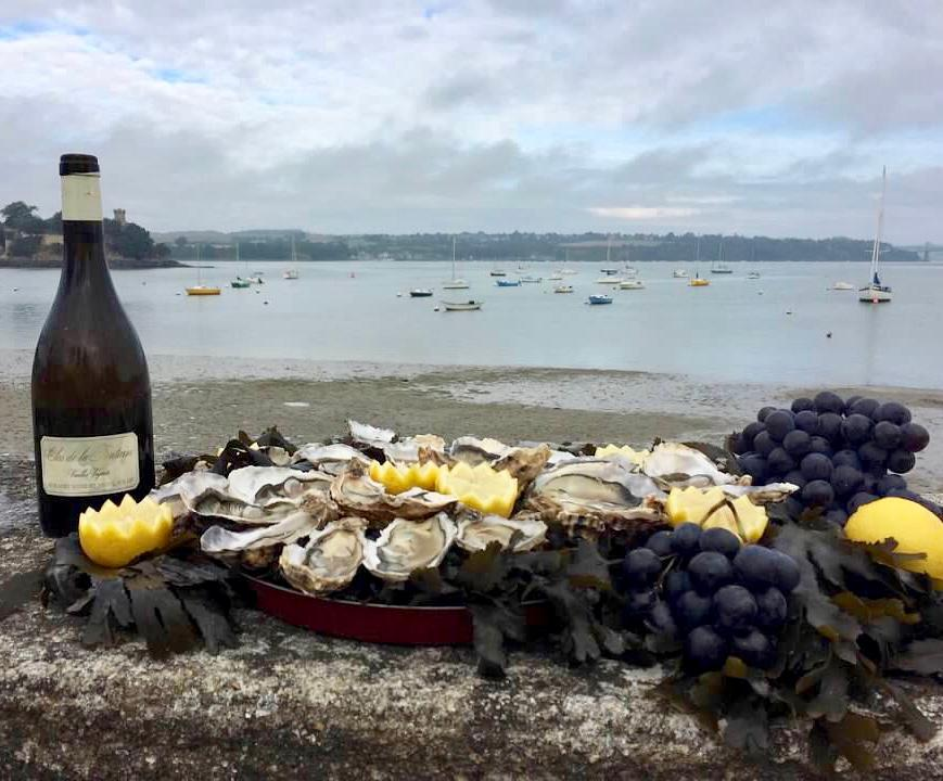 oysters, wine, france, brittany