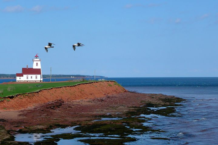 lighthouse, pei, canada